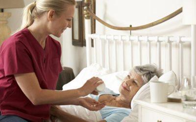 Les soins palliatifs à domicile sur RFI