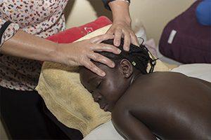 Toucher-massage pour enfants atteints de drépanocytose