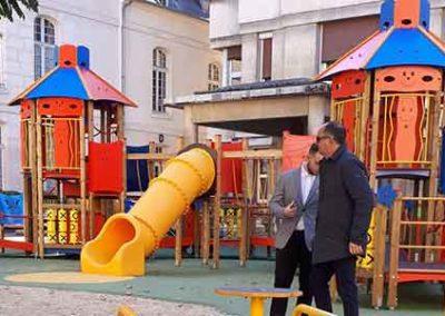 Aire de jeux inclusive pour enfants malades